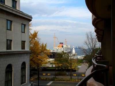 【街側】スタンダードツインのバルコニーからの景観
