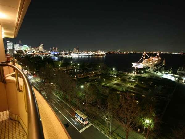 港側客室からの風景