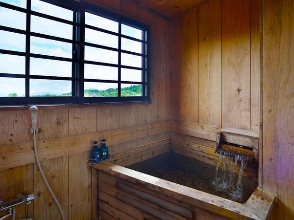 ■半露天風呂付き和洋室(一例)/自然が織り成す景観を眺めながらゆっくりと湯船に浸かる贅沢。