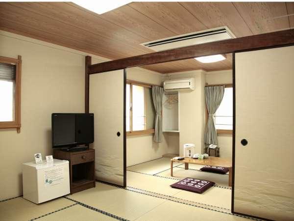 12畳という大きな間取り。全室ホテル回線を利用したWi-fi接続可能。