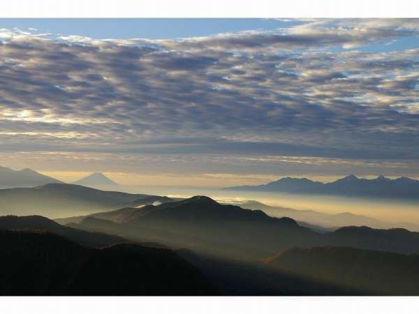 展望風呂から望む富士山と南アルプス