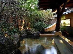 【貸切風呂】広々とした貸切露天風呂で贅沢湯三昧/四季の湯