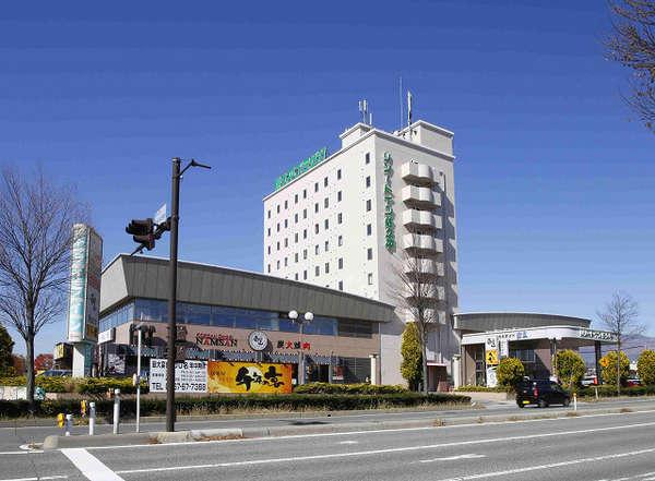 佐久平駅から徒歩1分、佐久平ICより車で5分、アウトレットまで車25分の好立地