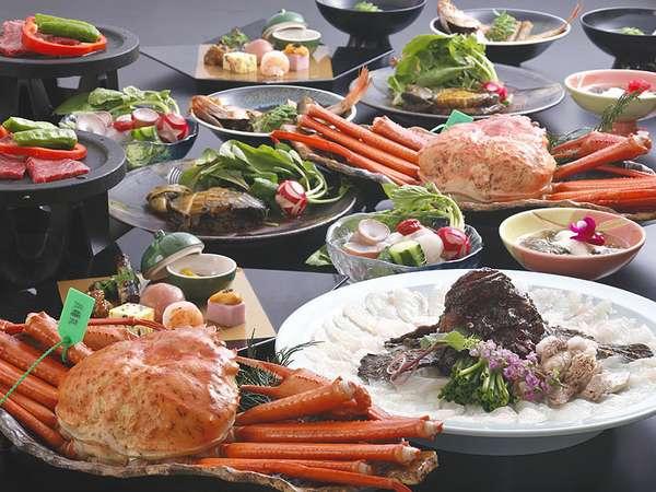 夢の活け尽くしお料理一例。春には活けサクラエビ、夏は活けいかの踊り喰い、秋には松茸も!