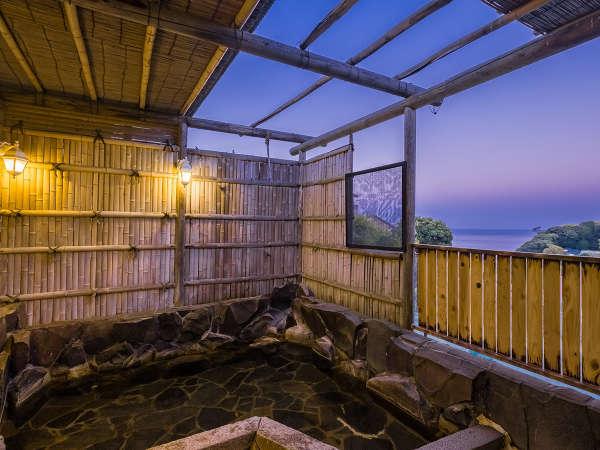 【 露天風呂 】 相模湾が一望できる絶景の露天風呂!貸切りでのご利用もできます。