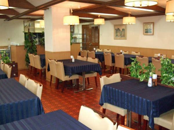 レストランは朝6時オープン。和洋朝定食ご注文で「朝カレー」サービス。