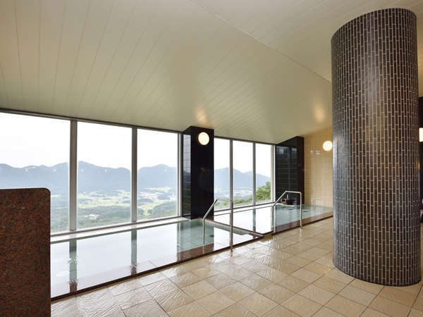 【展望風呂】朝、夕と表情の違う景色をお楽しみください。