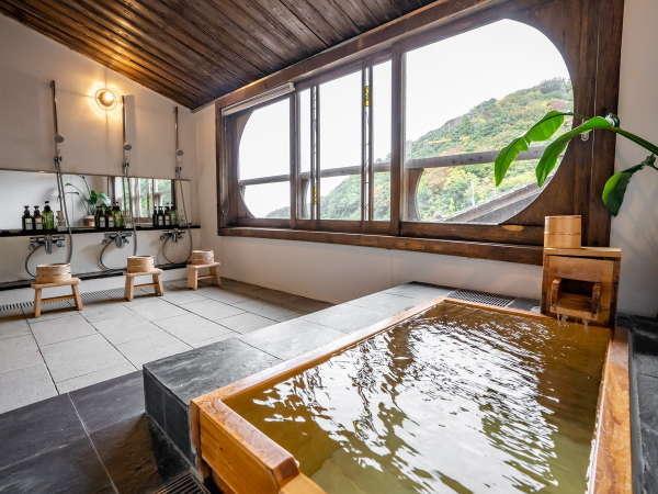 【貸切風呂(団欒の湯)】ご家族やご夫婦カップルに人気の貸切風呂。
