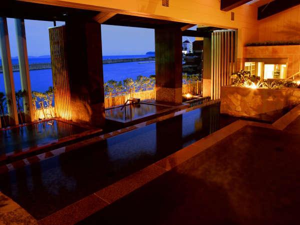 ■ 【淡路棚田の湯】 島の原風景「棚田」をモチーフにした三段湯船が特徴。洲本温泉・古茂江温泉を同時に