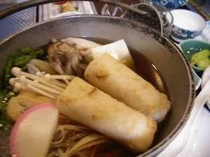 秋田と言えばきりたんぽ鍋!山の芋鍋や、しょっつる鍋も秋田のお鍋!一人1種類OKなので秋田鍋制覇を!
