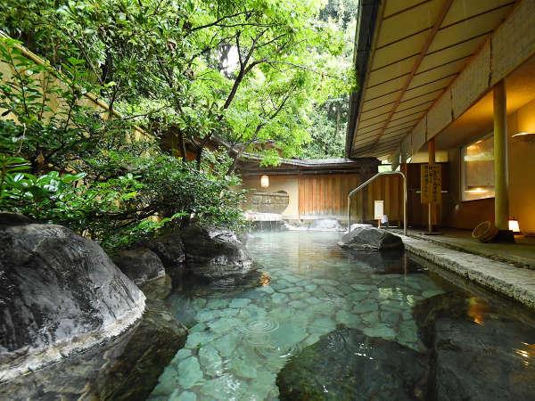【青山やまと】高級旅館に息づくおもてなしの心。お部屋食と源泉かけ流しが魅力。
