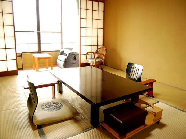 和室は全て川側に位置するので、窓からは三隈川一望の美しい景色が広がります。(一例)