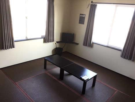 客室 8畳