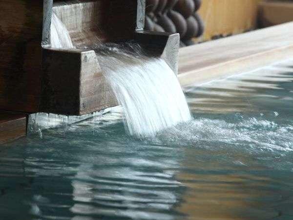 ◇滔々と注がれる温泉は身体の芯まで温まります。