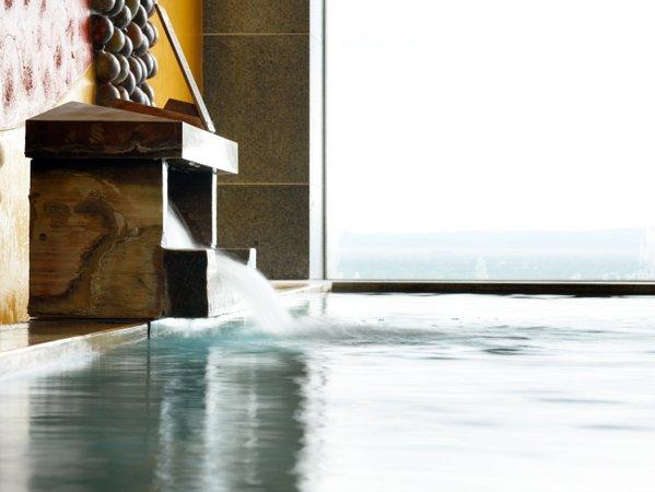 ※滔々と注がれる温泉は身体の芯まで温まります。