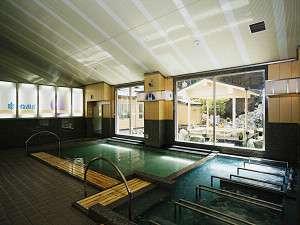 【大浴場】露天風呂や内湯、数種類のジャグジー、ミスとサウナなど種類豊富な大浴場