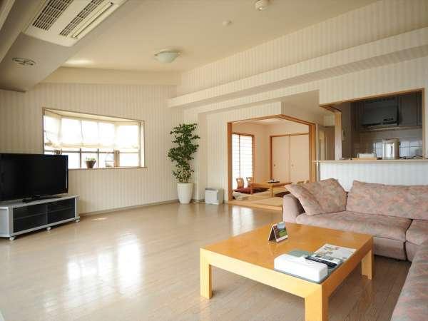 ★和洋室/75平米 広いリビングに集まっておしゃべりを楽しみましょう。