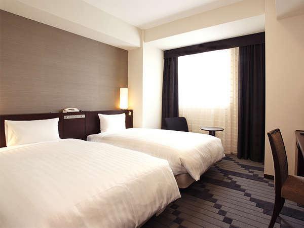 【客室】ツインルーム・部屋広さ…21㎡・宿泊人数…1~2名・ベッド幅…110cm