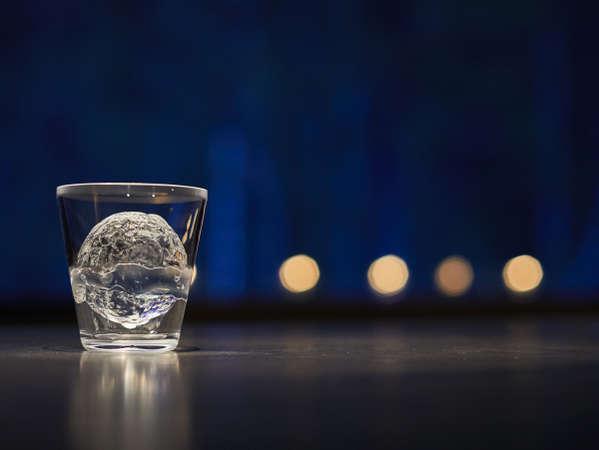 【2階 Bar】お客様だけの特別な1杯をおつくりします<営業時間>18:00~22:00(予約制)