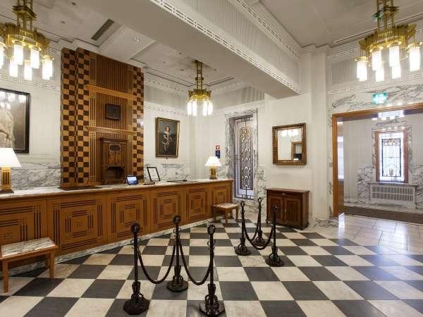 19世紀のウィーンをテーマにした館内、フロントロビー