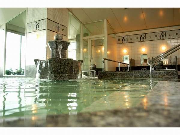 14階天然温泉「カルロビ・バリ・スパ」(加水・加温・循環ろ過)ナトリウム塩化物泉