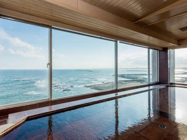 地上25メートル。太平洋を見下ろす展望大浴場