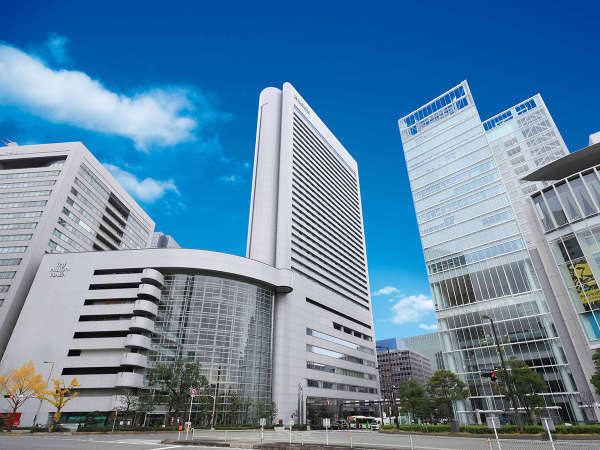 JR大阪駅より徒歩2分!キタエリアのランドマーク、ヒルトン大阪