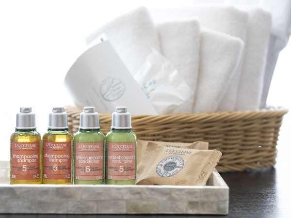 半露天風呂付和洋室アメニティー(一例)。客室露天と拘りの寝具で特別な休日をお過ごしください。