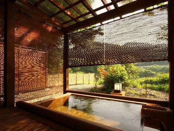 離れ【和楽荘】専用川側露天風呂