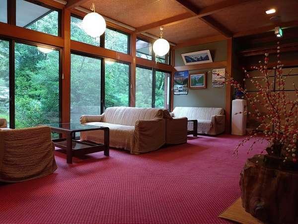 【湯庄 福地館】【福地温泉】山々に囲まれ、木のぬくもりあふれる静かで家庭的な宿
