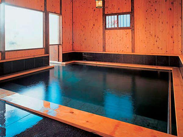 *たち湯(貸切制)/究極のリラクセーションを得るために考えられた深さのある温泉。温浴療法体験も可能♪