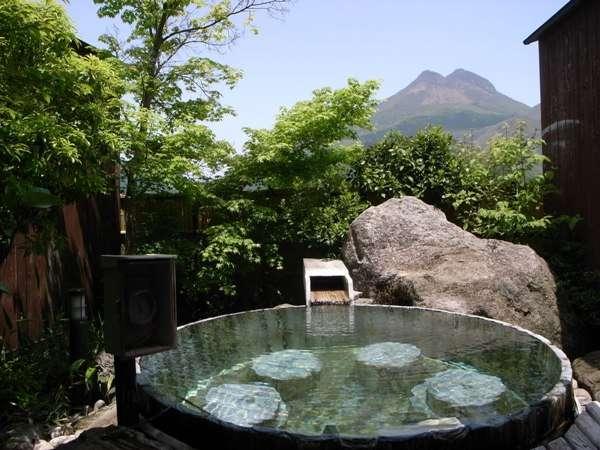彩岳館と由布岳が見える貸切家族風呂・吟情の湯(酒樽)