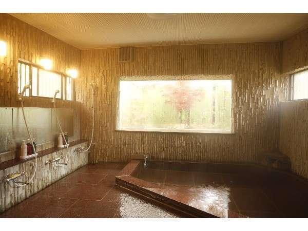 2つの内湯は、20時~24時の時間帯のみ貸切風呂としてご利用いただきます。