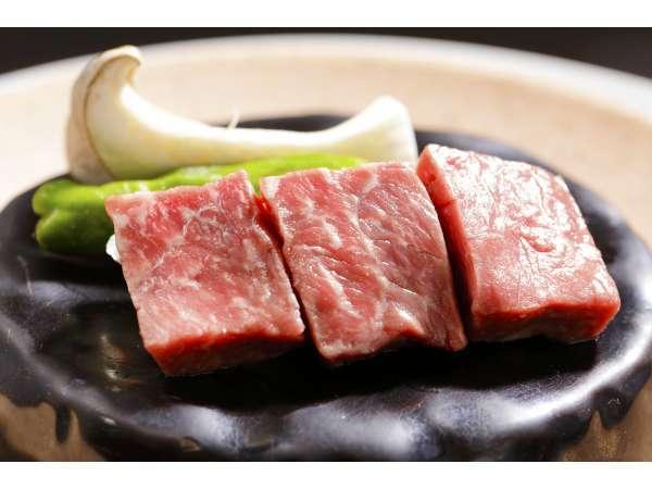 和牛の石焼ステーキ