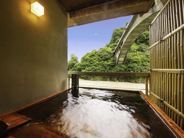 【令和2年◇NEWオープン】川側◇露天風呂付客室:大切なひととプライベート空間を満喫♪