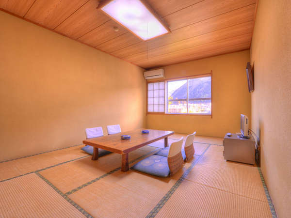 *和室12畳(客室一例)/井草の香りがほのかに薫るお部屋でのんびりとお寛ぎ下さい。