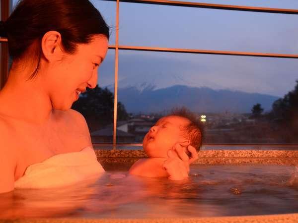 別館の客室展望風呂は沸かし湯でございます。赤ちゃんでも安心。