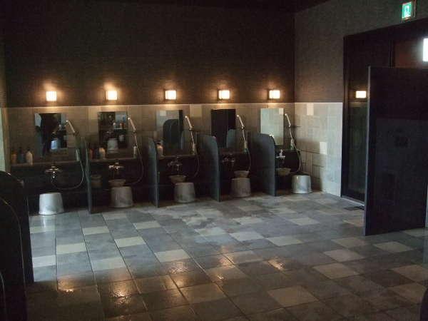 南館1階男子大浴場洗面スペース