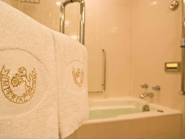 洗い場付のバスルームは一日の疲れを癒してくれます。(一部客室は除く)