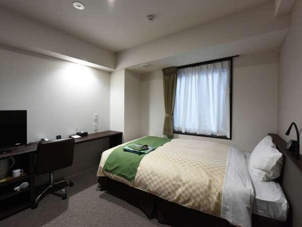 ≪シングルルーム+広さ:15平米≫ 120cm幅のベッド付。無料Wi-Fi全室完備。