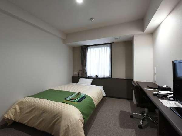 ≪ダブルルーム+広さ:15平米≫ 140cmのシモンズ社製ベッド。一人旅・ビジネス・出張におススメ!