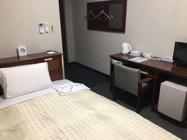 シングルルーム130cm幅ベッド