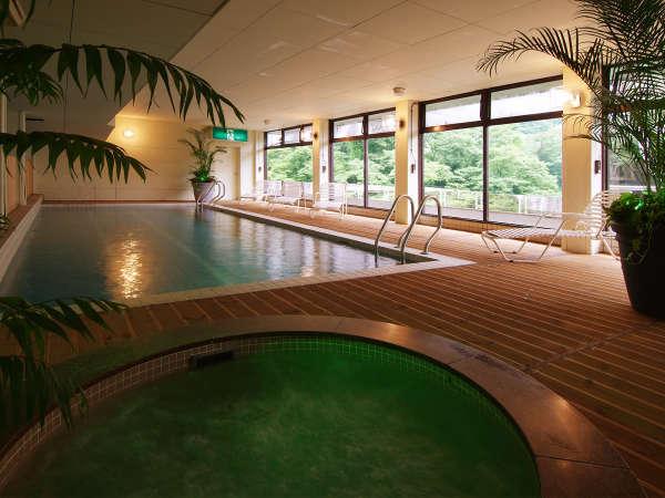 ◆室内源泉プール(約30℃)◆雨が降っても大丈夫!家族で安心・楽しいね♪