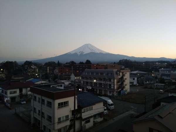 5階レストランからの富士山
