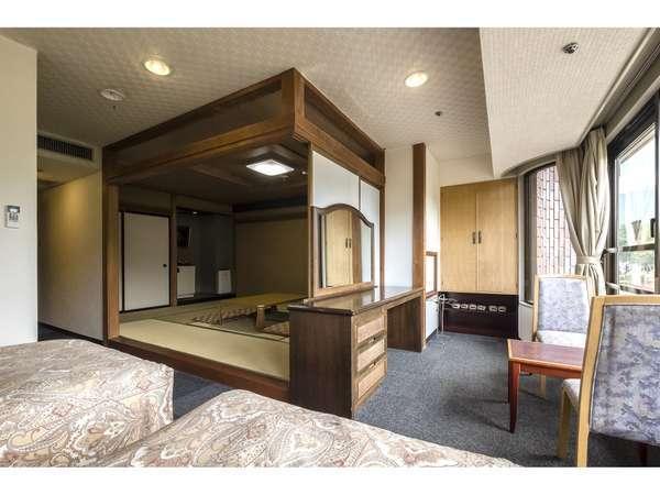 ツインベッド+10畳の和洋室