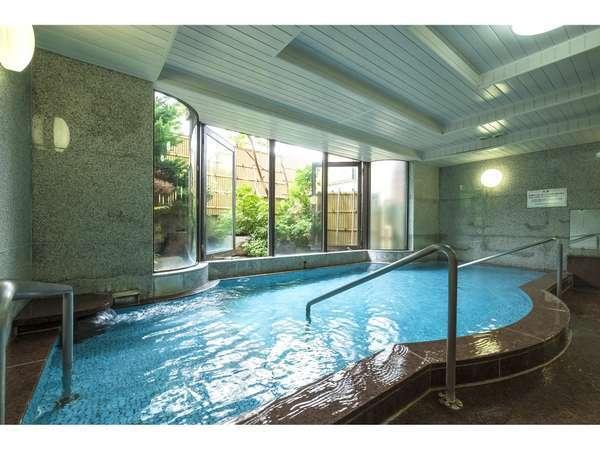 男性大浴場。当ホテルの源泉は、芙蓉の湯を利用しています。