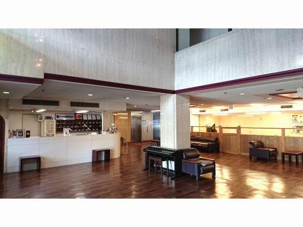 1階ロビーには自動販売機や、朝の軽食所がございます。