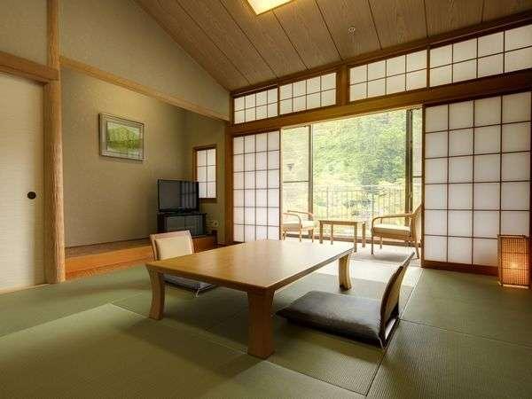 森の緑に癒されるお部屋です。奥武蔵で癒しのひとときをお過ごし下さい。和室10畳トイレ付 禁煙