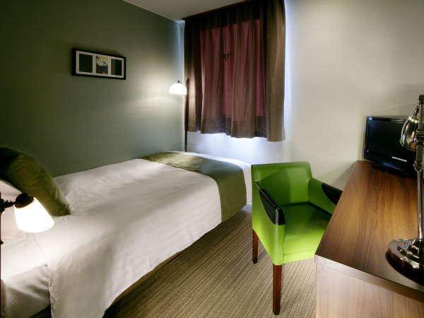 【スタンダード】ビジネスに人気の客室は上質なシモンズベッド採用。