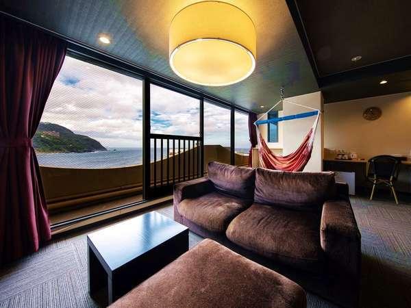 【特別室】リビングのハンモックが人気!露天風呂付き客室65㎡